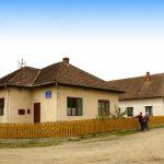 Școala din satul Baia